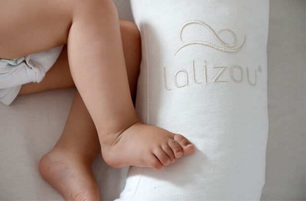 Lalizou Babynest white with Stick