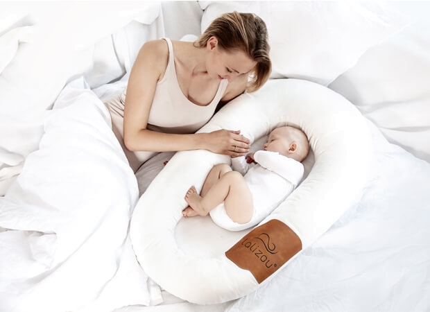Lalizou Babynest white with Patch in the Bed